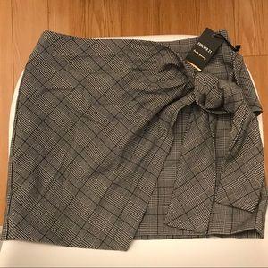 Forever 21 BNWT Wrap Skirt